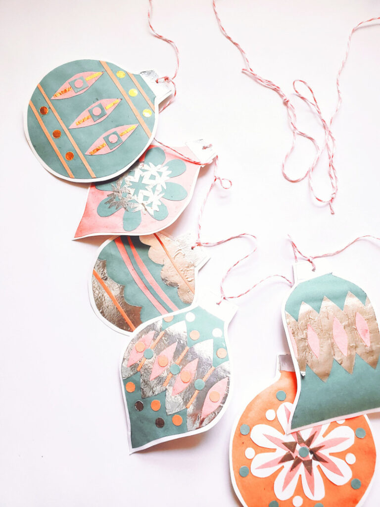 Easy paper Christmas Garland