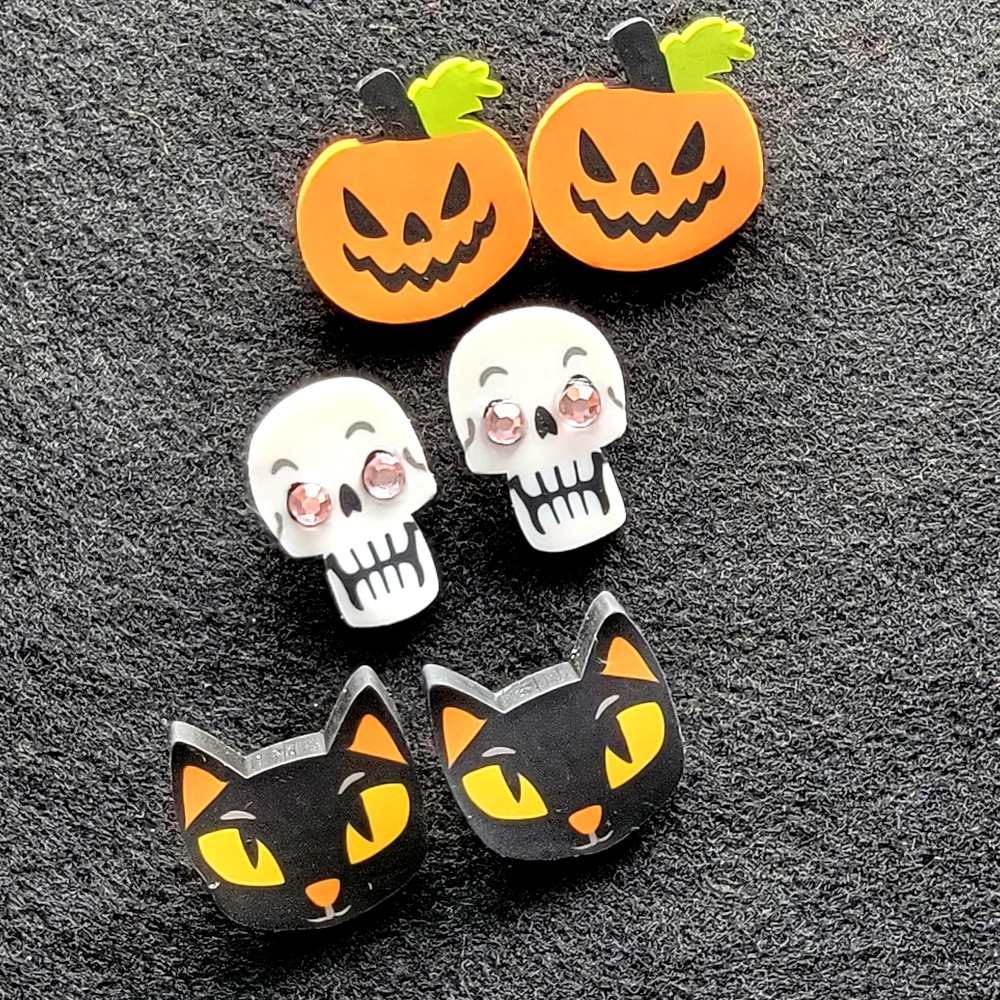 Easy Halloween Earring DIY