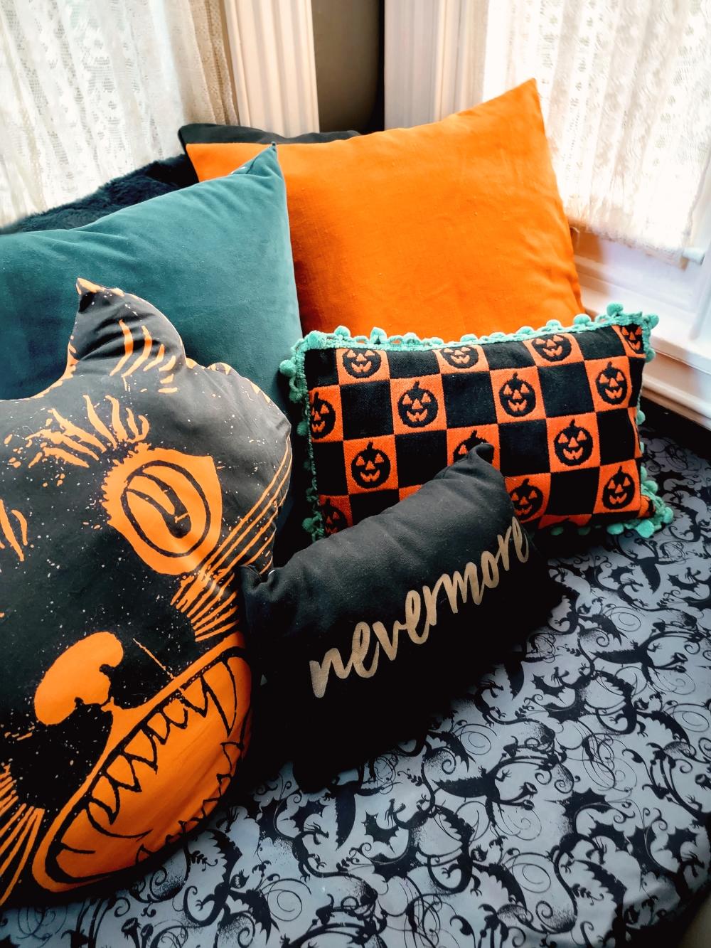 Halloween Pillow DIY